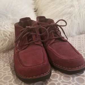 Clark's lace up loafer